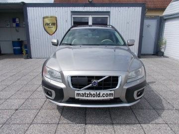 VOLVO_XC70-D5-Kinetic-AWD-Geartronic-