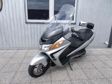 Suzuki_Burgman-AN400